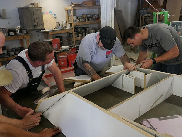 building mold with angled edges for thick concrete table